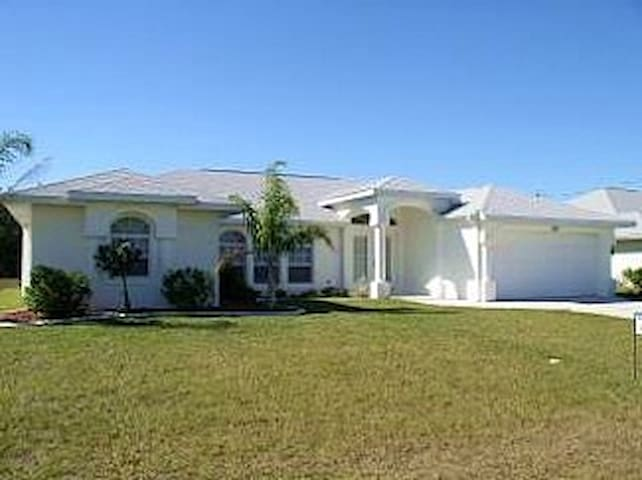 Beautiful 4 Bed Villa Rotonda West Florida - Rotonda West - Haus