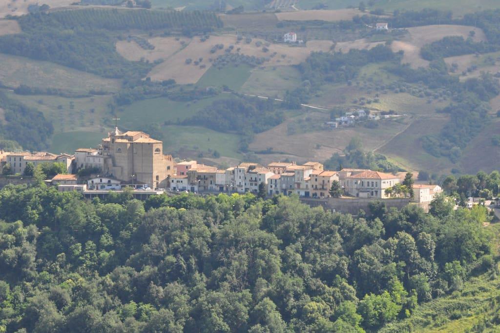 The town of Castiglione Messer Raimondo