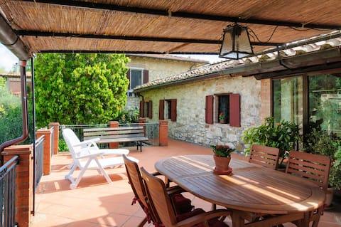 Casa Selvolini con terrazza panoramica e giardino