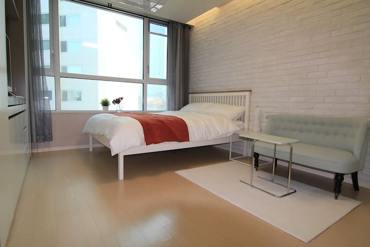 New Amazing Studio in Jeongja, Jane House~!