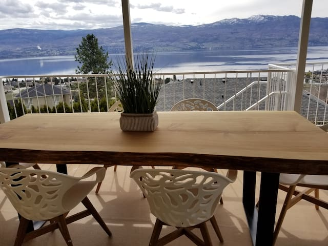 Beautiful Okanagan home with amazing lake view.