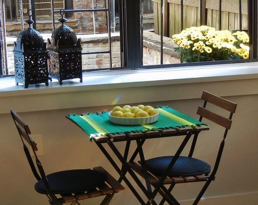 Detail of breakfast table in living room