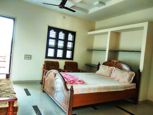 Asian Homestay - Bhuj - House