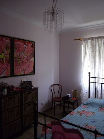 B&B,SINGLE ROOM for 1 & BREAKFAST.  - Las Palmas de Gran Canaria - Bed & Breakfast