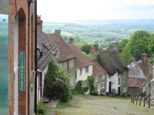 350 year old cottage, walk to town! - Shaftesbury - Hus