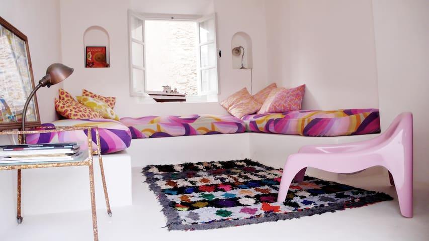 Bright 70s style Boho Medina house