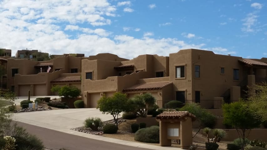 Luxury condo with views of mtns and open space - Fountain Hills - Condominio