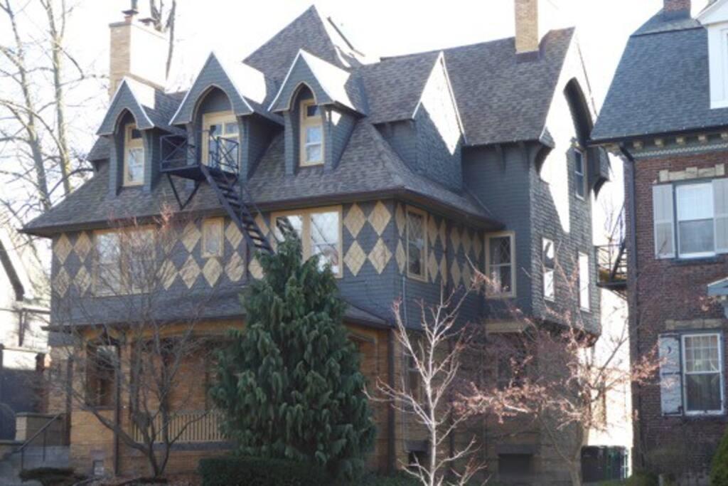 1890's Tudor
