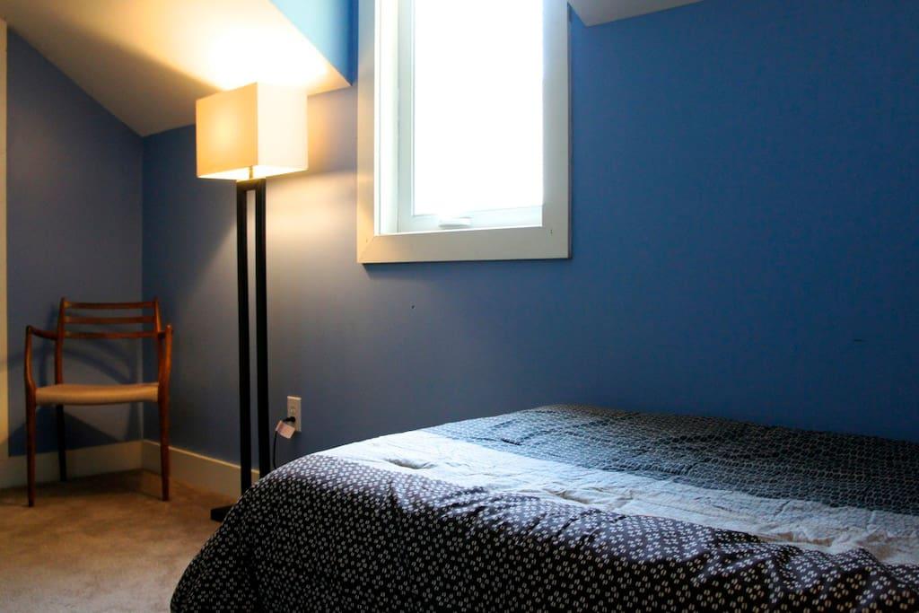 Private Room w/ Share Bath (2xTwin)