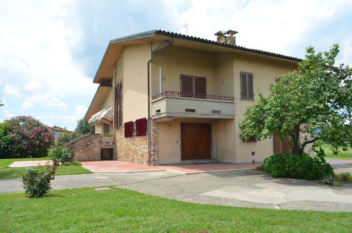 Villa mit grossem Garten - Ponte Buggianese