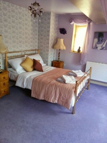 Cosy room with En-suite facilities - gunthorpe - Penzion (B&B)