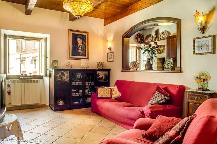 Rita's house in Tagliacozzo center - Tagliacozzo - Apartamento