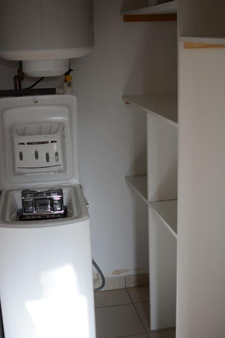 Machine à laver, étagères