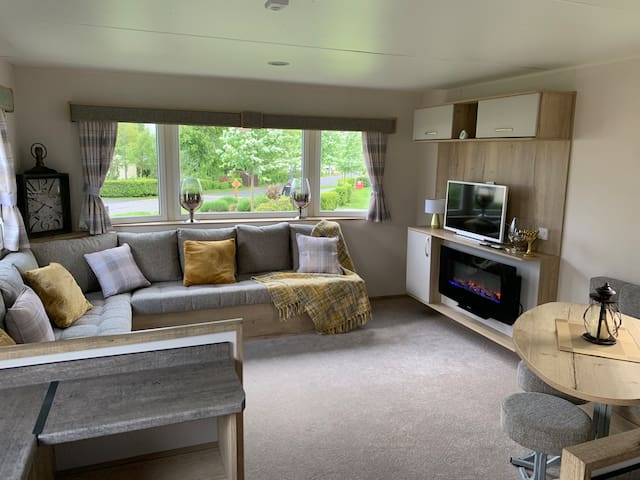 New Luxury Caravan - Seton Sands Holiday Village