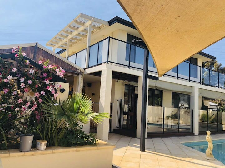 Shelley Home in Perth. Spacious and River location