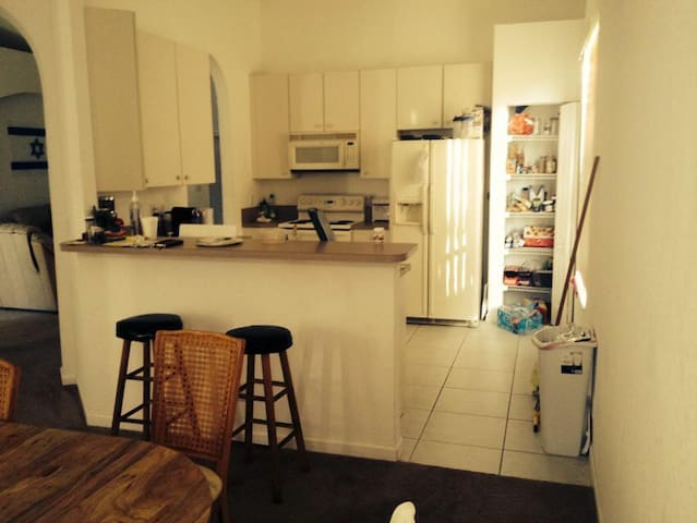 room in rommate house  - Fort Pierce - Ev