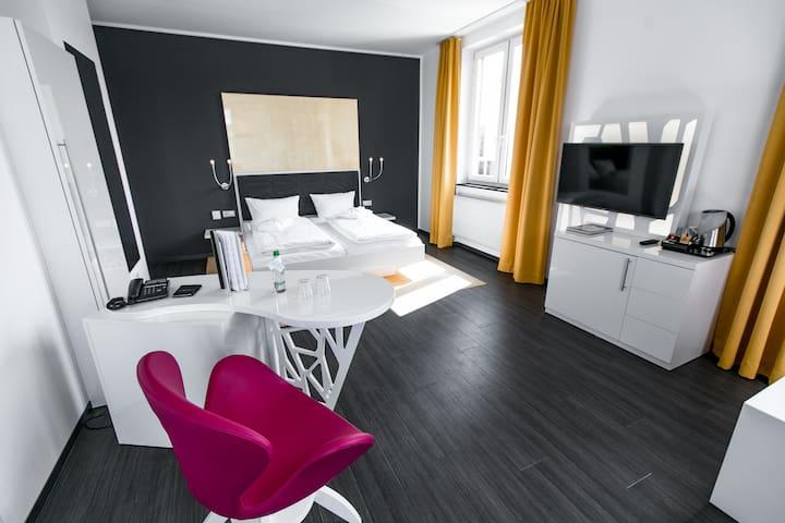 Hotel Sinsheim, (Sinsheim), Junior-Suite