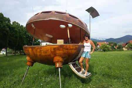 UFO am Freizeitteich Seebach bei Turnau - Graßnitz - Kunyhó