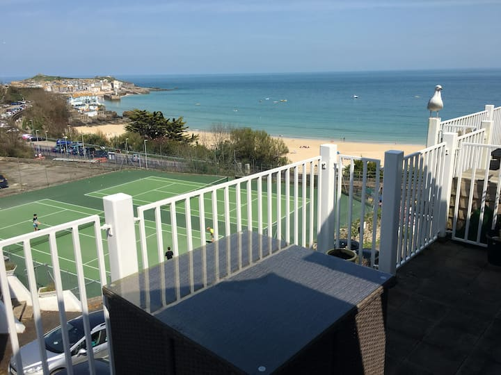 Harbour View Apartment, St Ives