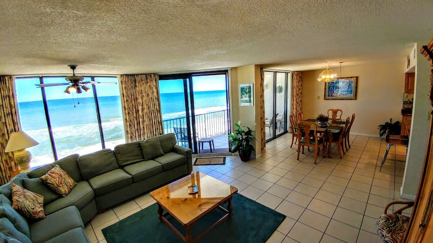 Beachfront Leeward bldg 6th floor Guaranteed Clean!
