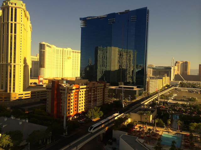 AAA 2, MGM, SIGNATURE DELUXE SUITE. - Las Vegas - Pis