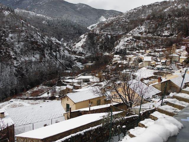 Paisible maison dans les Pyrénées - Fontpédrouse