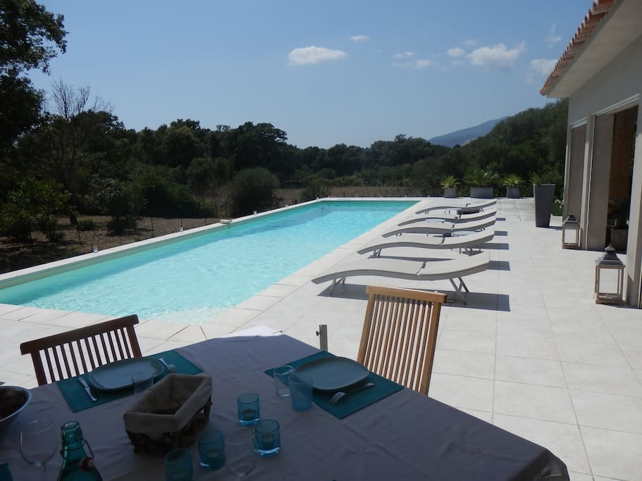 villa 3 ch piscine 14 m clim wifi villas for rent in porto vecchio corsica france. Black Bedroom Furniture Sets. Home Design Ideas
