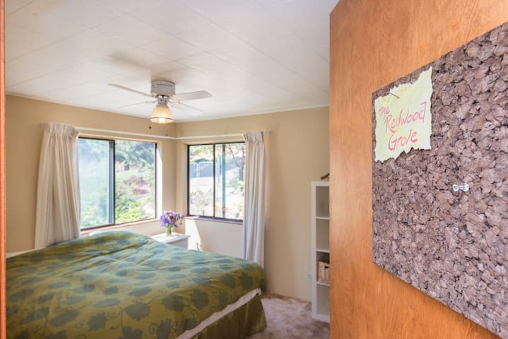 Redwood Grove Room - Ringtail Ranch