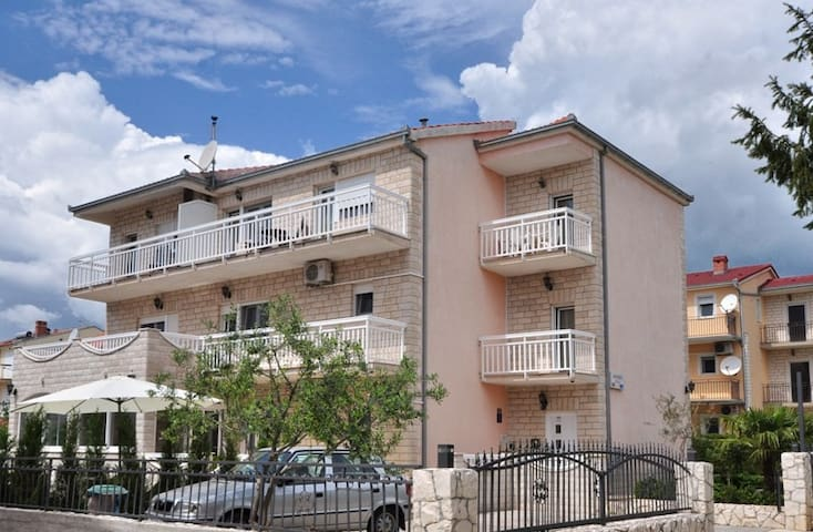 Apartmenthouse Jerko  Ap.No 1 - 2+2 - Kastela Stafilic Resnik/Trogir - Wohnung