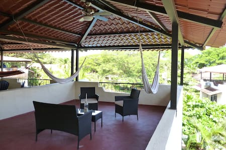 Private Roof Top Terrace in the Trees - Townhouse