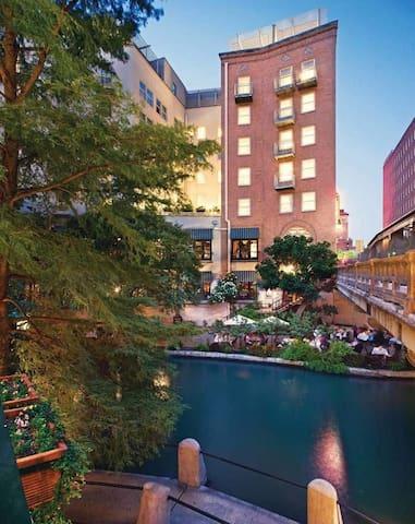 Riverside Suites San Antonio