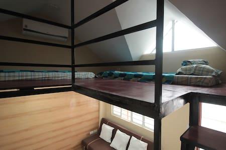 Cool Penthouse unit (5C) - Mandaluyong