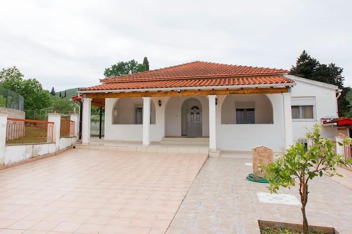 KANAKADES VILLAGE HOUSE
