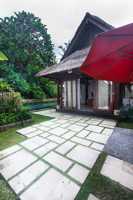 A view of the exterior of Villa Ananda Sri, taken by the Airbnb photographer, like other verified photos