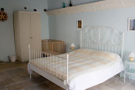 Aperanti B&B-Quadruple room   - Pera Orinis