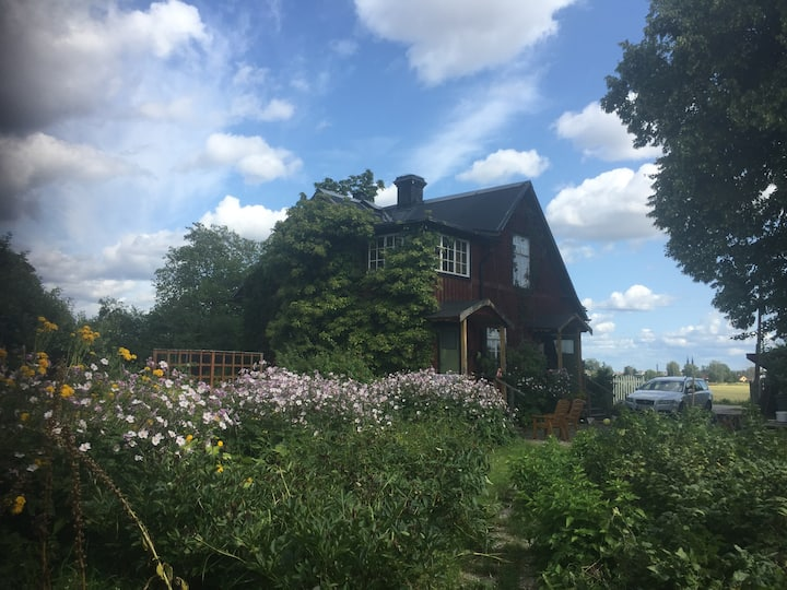 Room in old charming house close to Uppsala city