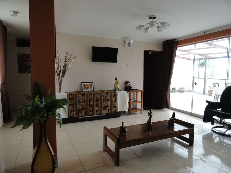 Living Room / Sala de estar