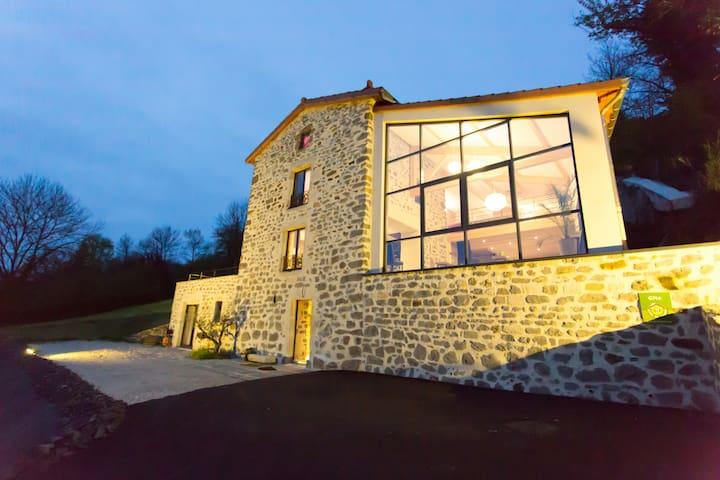 Maison de Vigne - Gîte d'Arcana -4* - Brives-Charensac - House