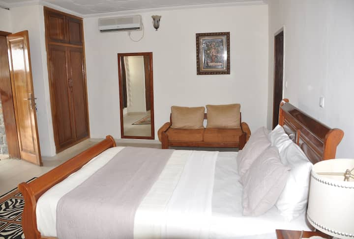 The Lodge -Villa 4 BRB home-away-from-home