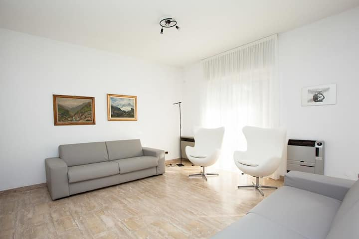 Bnbook - Perfetti Rho Fiera - Ampio quadrilocale con 3 camere e 2 bagni