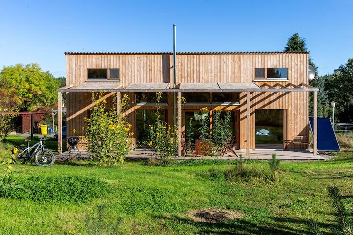 Studio Zempow / ökologisches Holzhaus / Fotostudio