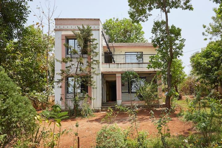 Rs 6999- THE FOREST VILLA, KARJAT, 4 Bed Rooms