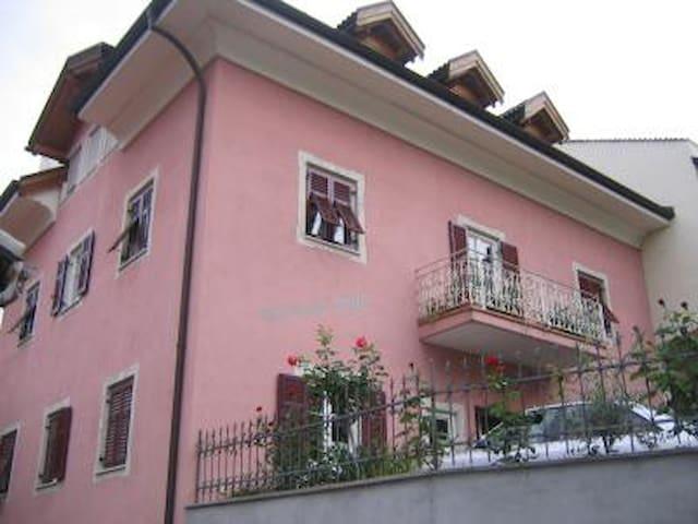Wohnung in Tramin an der Weinstraße - Tramin an der Weinstraße - Huoneisto