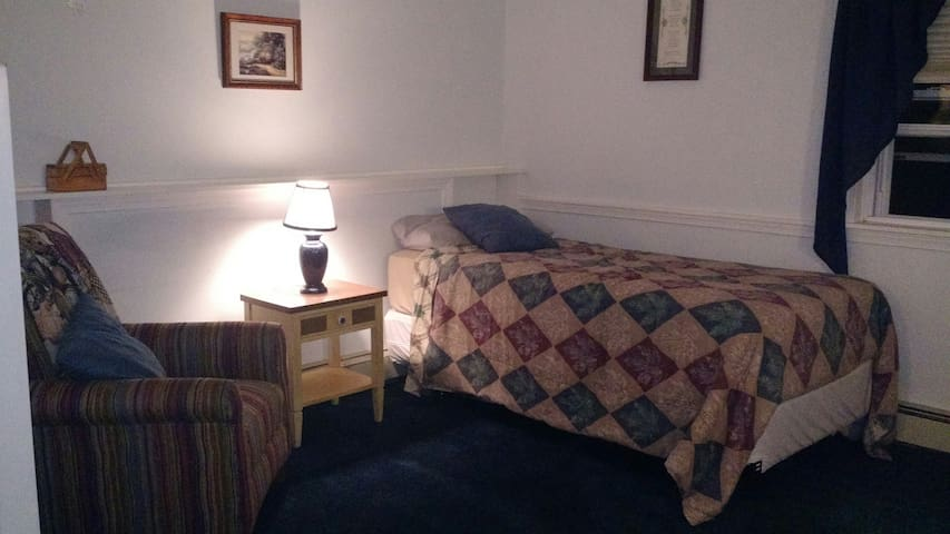 This is the maser bedroom suite available for rent with this listing.