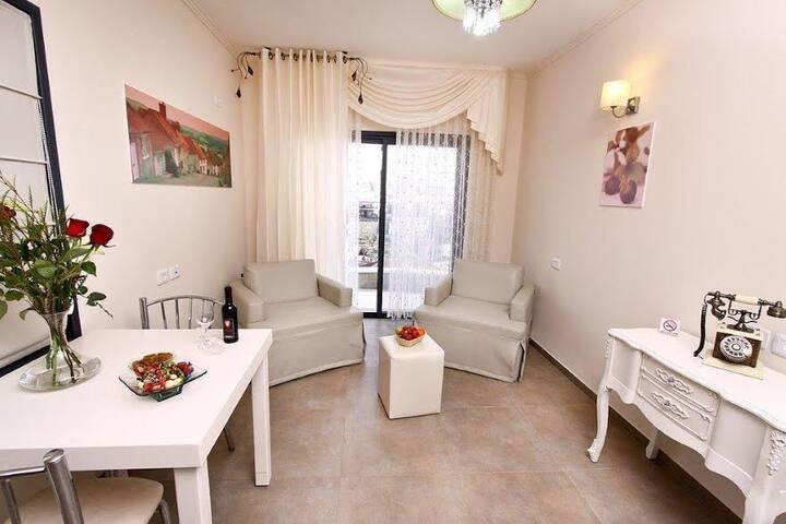 Ahuza Bamarom In Sefad- Dream Suites