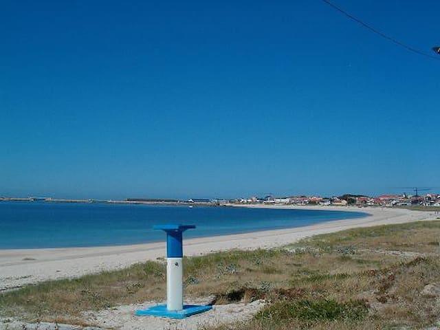 Muy próximo a la playa del Castro - Castineiras-Riveira