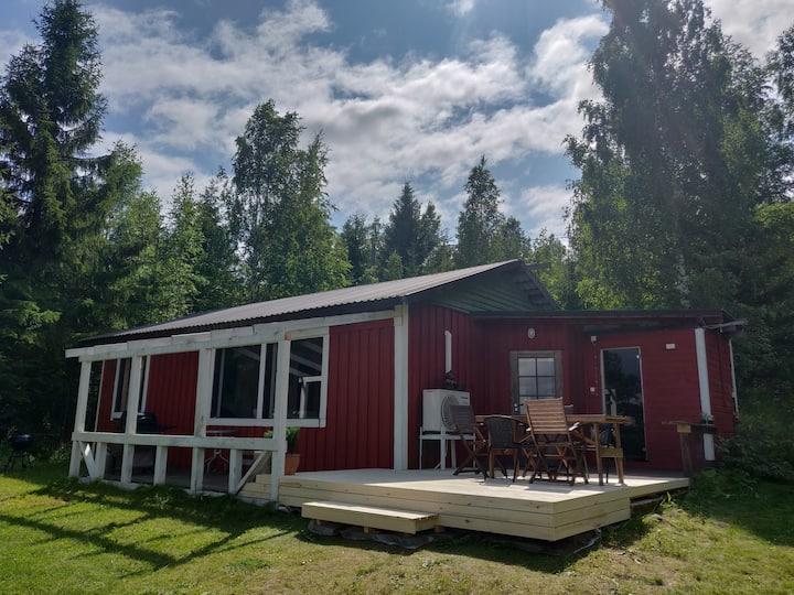 Mökki Puruvedellä. Cottage at lakeside Puruvesi