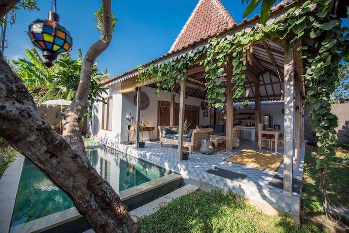 2BR Joglo Villa in Pererenan near the beach w/pool