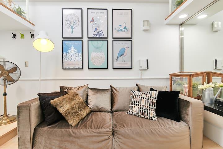 白色夢境~2017全新亮麗美式裝潢,適合2~6人家庭房!