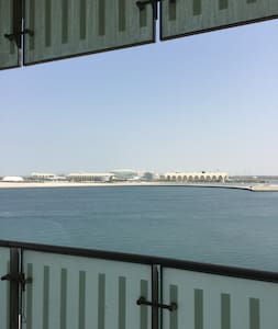 female friendly private room with private beach - Abu Dhabi - Apartment